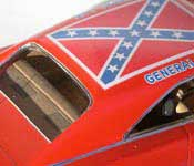 General Lee roof with confederate flag