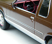 P2 Oldsmobile Cutlass Supreme side detail