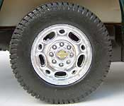 Welly 2001 Chevrolet Suburban Wheel