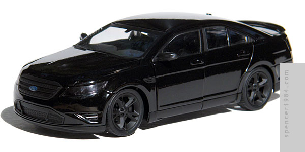 Greenlight Collectibles Men in Black 3 Ford Taurus SHO